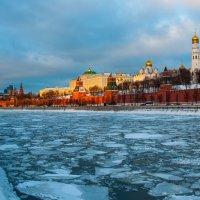 Солнце всходит на Москвой :: Alexander Petrukhin