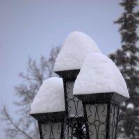 Фонарь под снегом :: Сергей Беляев