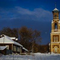 Мой дом и Троицкий Храм. :: Валерий Гудков