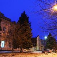Вечер в городе :: Юрий Гайворонский