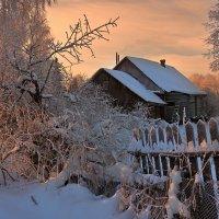 Утро в дальней деревеньке :: Николай Белавин