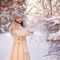 В зимнем лесу. :: Алена Карташова