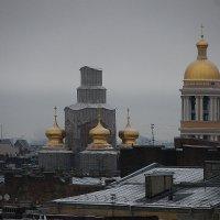 А почему бы не прогуляться по крышам с утра? :: Tatiana Markova