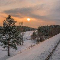 Скупой зимний пейзаж. Ближе к вечеру. :: Андрей Поляков