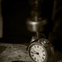 Старый, уставший, но живой будильник :: Владимир Шустов
