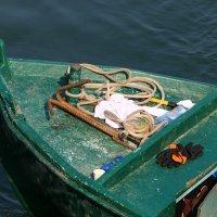 лодка на берегу озера :: vasya-starik Старик
