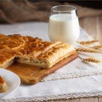 Домашний пирог с молоком :: Ирина Лепнёва
