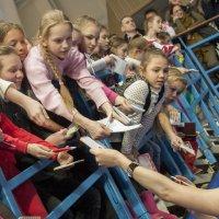 Маленькие фанатки большого спорта :: Светлана Яковлева