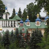 Псково-Печерский монастырь :: Виктор Перякин