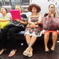 Вечером в метро :: Galina Kazakova