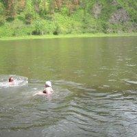 купание на реке :: николай баулин