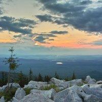 Долина Сатки в окружении облаков :: Павел Меньшиков