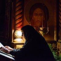 Богослужение... :: Влад Никишин