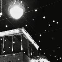 Фонари и фонарики :: Лариса Журавлева
