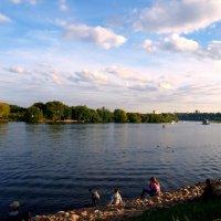 Коломенское в сентябре. Москва - река. :: Владимир Драгунский