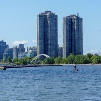 Девушка с веслом... (залив оз.Онтарио, окраина Торонто) :: Юрий Поляков