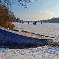 Зимнее озеро :: Galina Dzubina