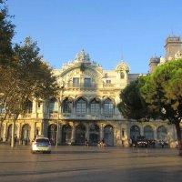 Здание морского порта в Барселоне :: Tamara