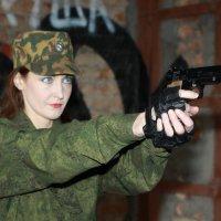 Вооружена и очень опасна :: Олег Шабашев