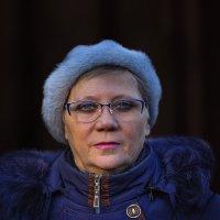 Женщина в синем. :: Павел Петрович Тодоров