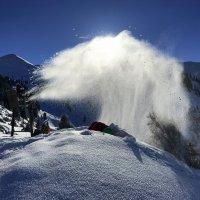 Снежный фонтан. :: Anna Gornostayeva