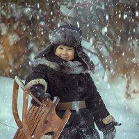 Мальчик с санками :: Анастасия Бембак