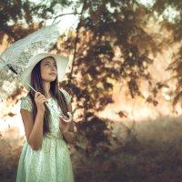 девочка с зонтиком :: Sergey