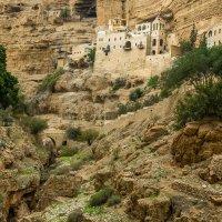 Древний Храм в пустыне Негев.в израиле :: сергей cередовой