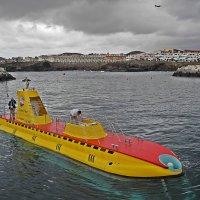 Плохая  погода  не  помеха  для подводной  лодки ! :: Виталий Селиванов