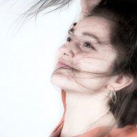 Портрет девушки_2 :: Валерий Левичев