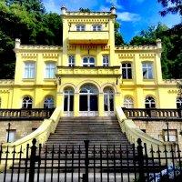 Просто  красивый  дом :: Анатолий Малобродский