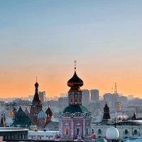Стиль города на уровне крыш и куполов :: Николай Ярёменко