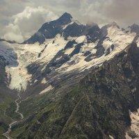 горный массив Джугутурлучат (3921м) и одноименный ледник :: Леонид Сергиенко