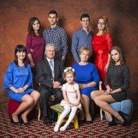 Любовь в семье — основа Мирозданья. Так пусть хранит все наши семьи Бог! :: Николай Хондогий