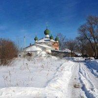 Храм в поселке Сопелки :: Tata Wolf