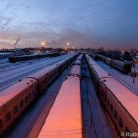 Поезда, поезда... :: Сергей