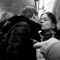 """нежность (из серии """"Московское метро"""") :: Михаил Зобов"""