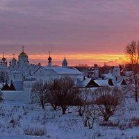 Зимний вечер в Суздале :: Елена Малкова