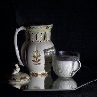 Кувшин и молоко :: Юрий Гайворонский