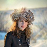 Девушка на зимнем закате :: Наталья Захарова