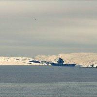 Зимняя марина с авианосцем... :: Кай-8 (Ярослав) Забелин