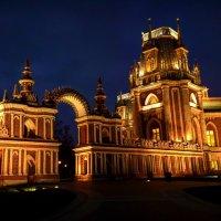 Галерея между Большим Дворцом и Хлебным домом. :: Виктория Черненко