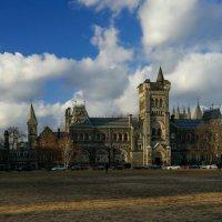 Один из комплексов университета в Торонто (University College) :: Юрий Поляков