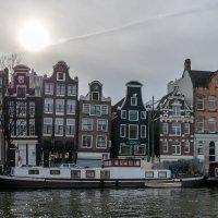 Дома в контровом свете. Амстердам :: Witalij Loewin