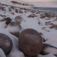 "Камни на ""пляже динозавров"" в Териберке :: Александра"