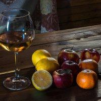 Кому апельсины, кому витамины?.. :: Андрей Поляков