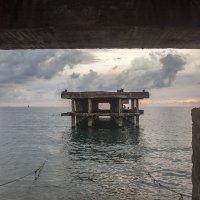 Вечер на море :: Юрий Клишин