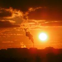 Закат в Ростове-на-Дону 12.02.2017 г. Солнце уходит :: татьяна