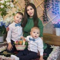 Мамочка и сыночки *** :: Райская птица Бородина