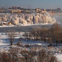 В центре города - река... :: Александр Попов